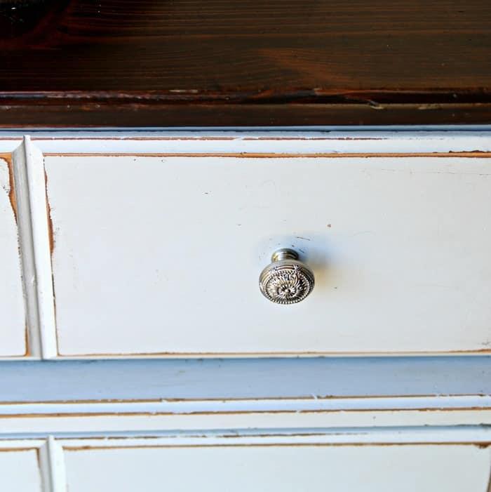 distress paint on furniture