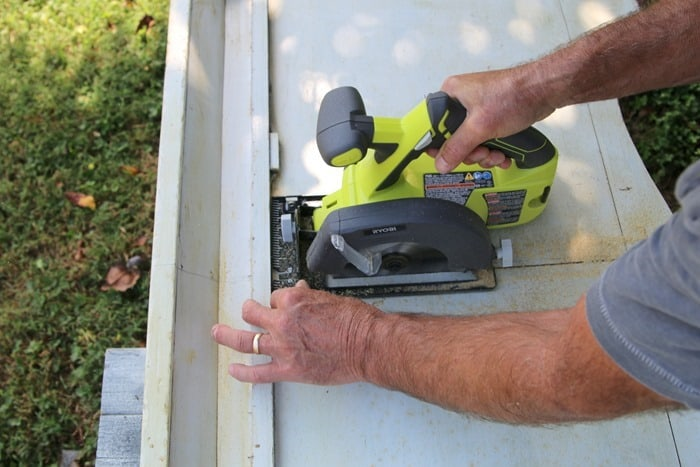 ryobi circular saw battery powered for cutting footboard