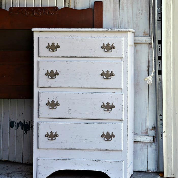 Paint Problem Furniture To Look Distressed Without Sanding