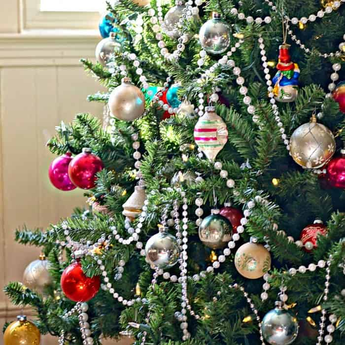 Old Christmas Tree Decorations: Christmas Tree Decorated With Vintage Glass Ornaments