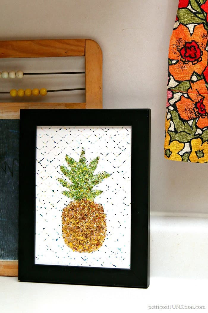 DIY Pineapple Project Is Glitterific