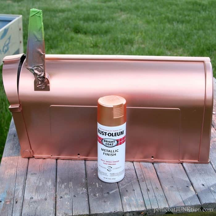 Rustoleum Metallic Copper Spray Paint for my plastic mailbox
