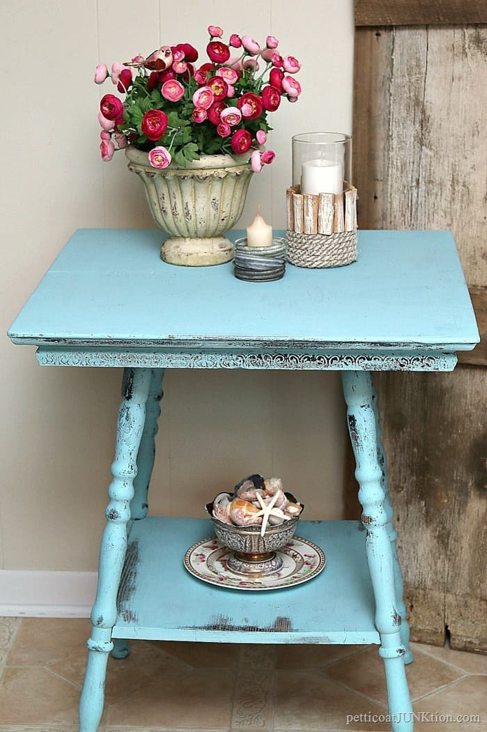 how to distress painted furntiure using baby wipes