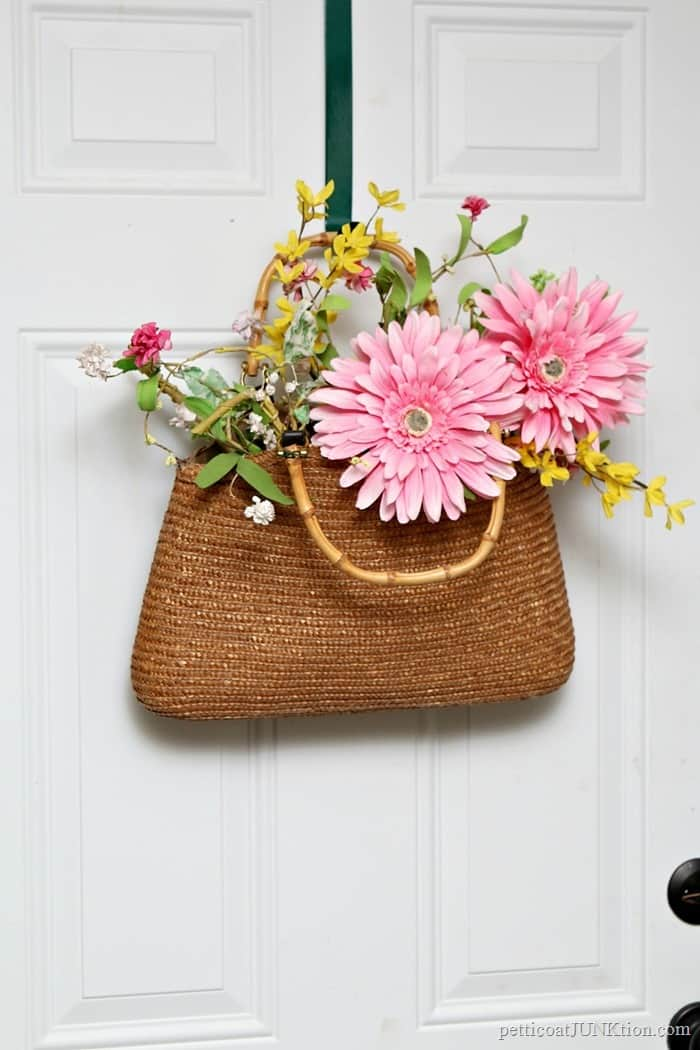 Make A Straw Hand Bag Wreath For Your Front Door