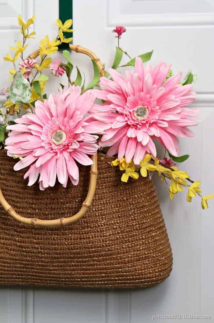 Make A Straw Purse Wreath For Your Front Door