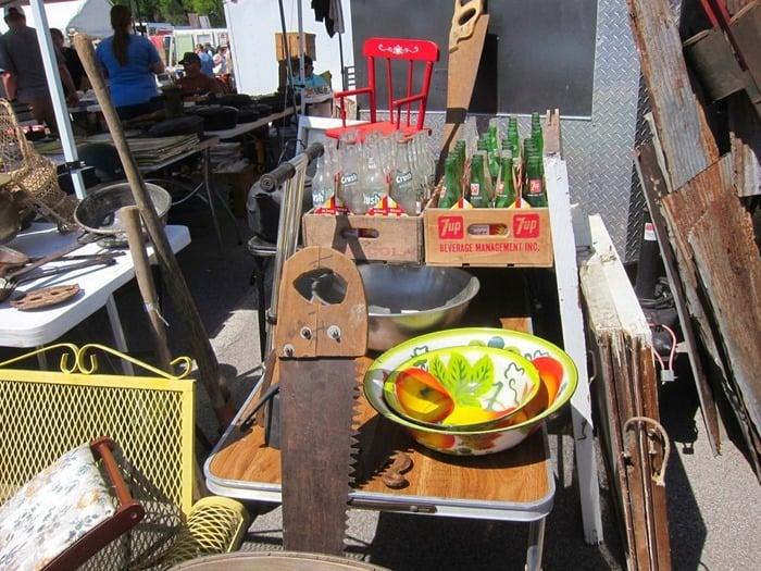 Things to do in Nashville visit the Nashville Flea Market