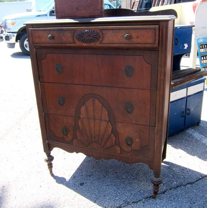 pretty vintage chest of drawers for Petticoat Junktion
