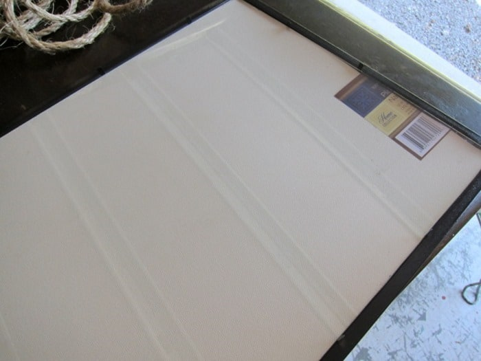 frame placemat with glass behind mat in frame