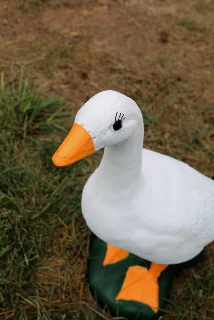goose garden statue