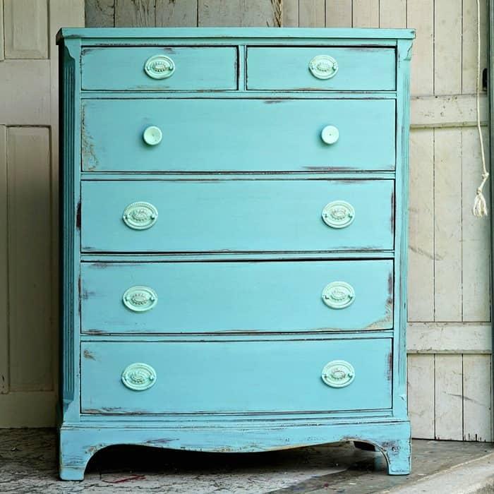 Save Damaged Furniture Using A Simple Paint Technique