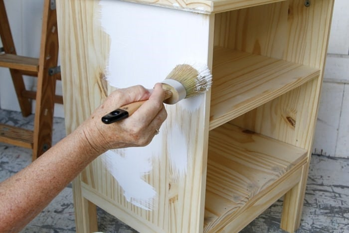 painting the guest room nightstand with FolkArt Home Decor Chalk