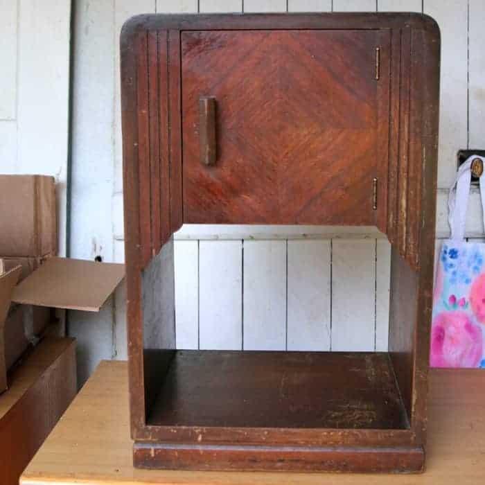 Art Decor Nightstand before refurbishing