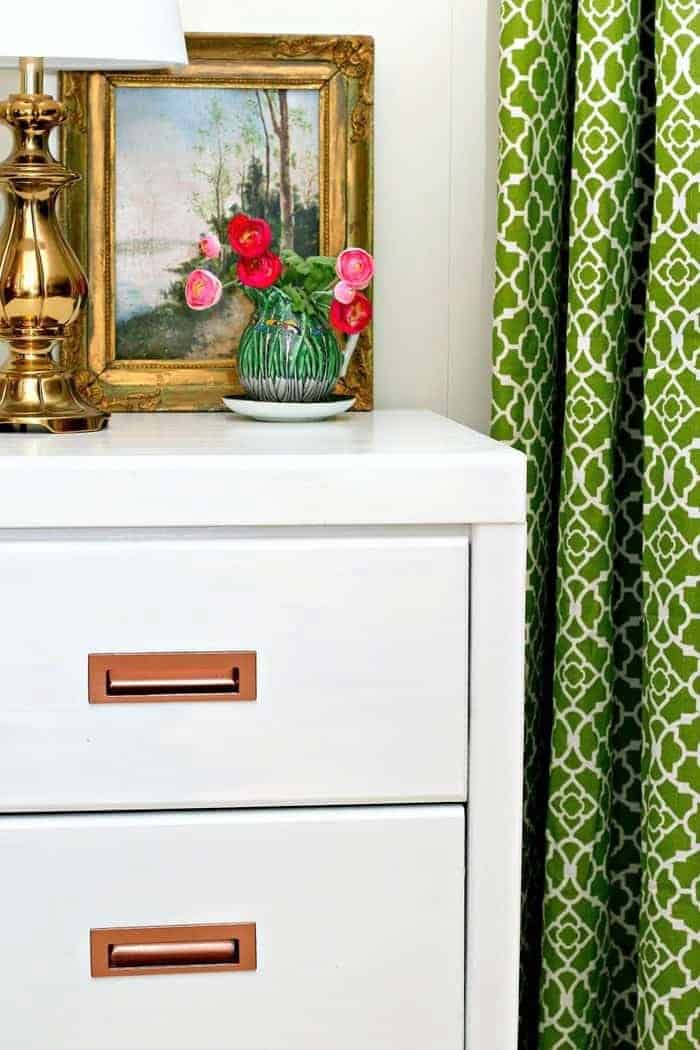 How to paint office furniture white
