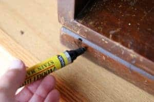 Minwax stain marker to cover furniture scratches
