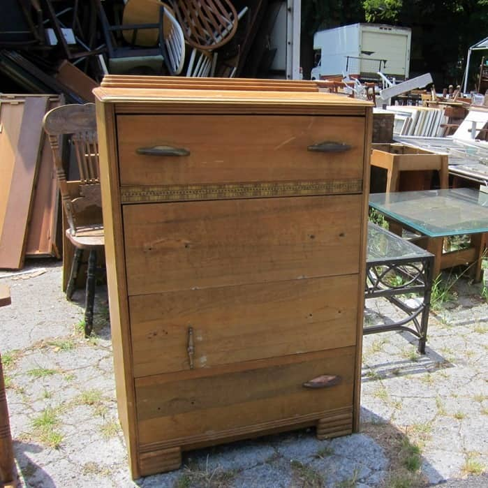 chest of drawers for makeover