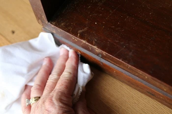 wood finish marker for covering furniture scratches