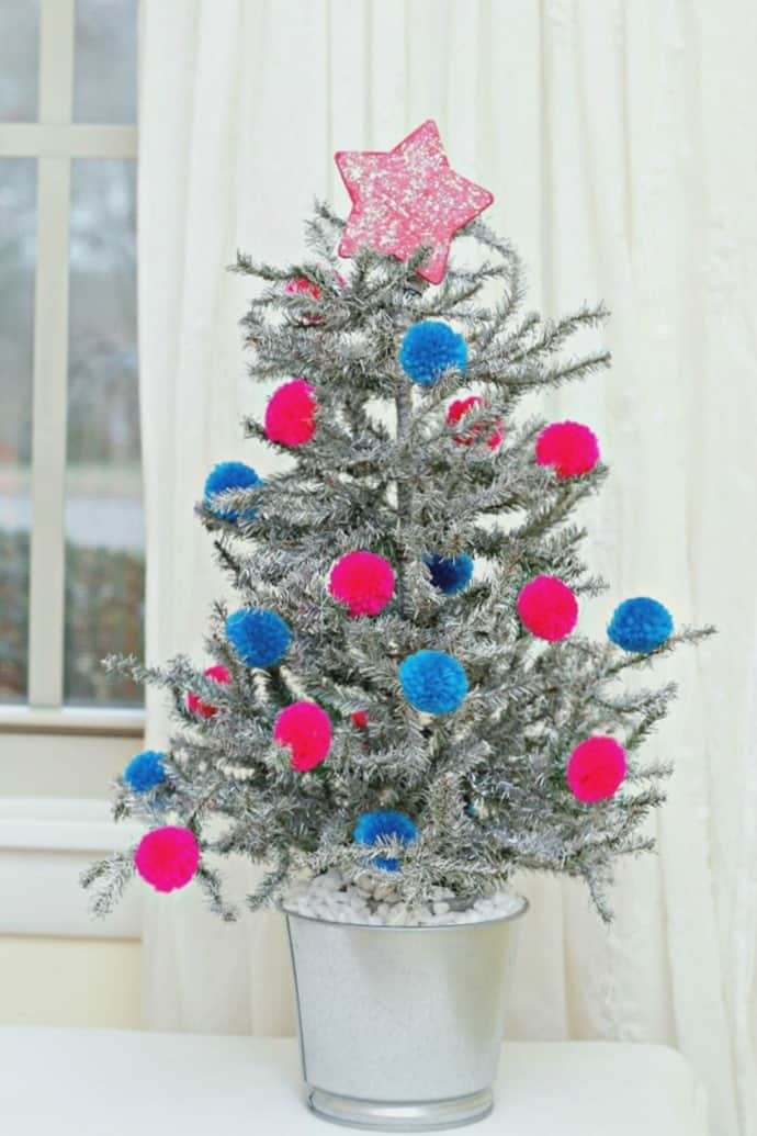 Tinsel Tree with Pom Pom Ornaments project by Petticoat Junktion