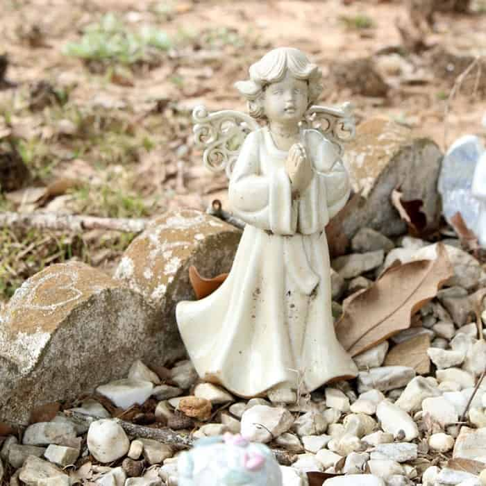 Alzheimer's story , small angel statue at Old Owen Cemetery Griffith Springs Community Arkansas