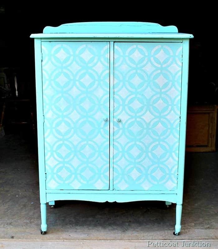 Stenciled Chandelier Surprise on wardrobe door