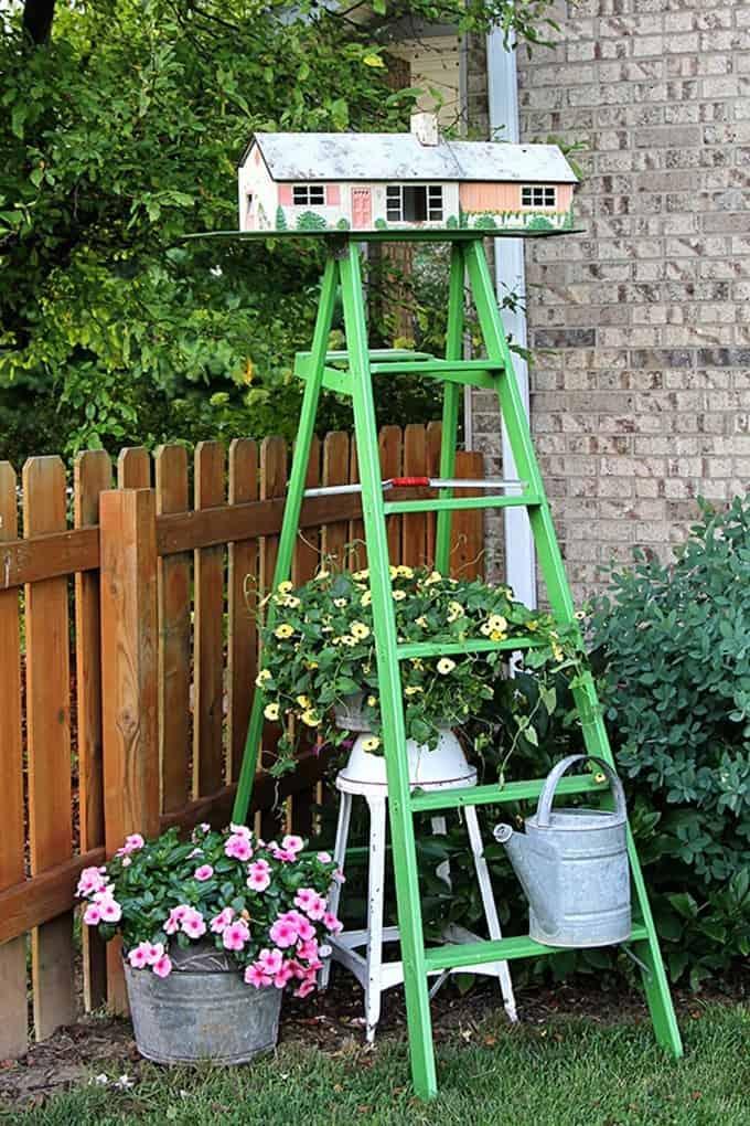 Tin Dollhouse birdhouse from House of Hawthornes
