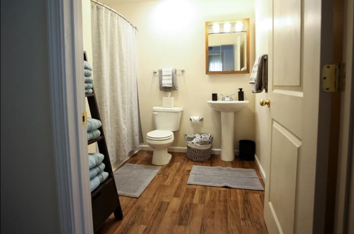 guest bathroom Home for the Holidays Warrick Dunn Charities