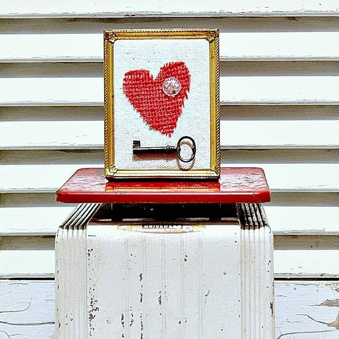 red burlap heart diy