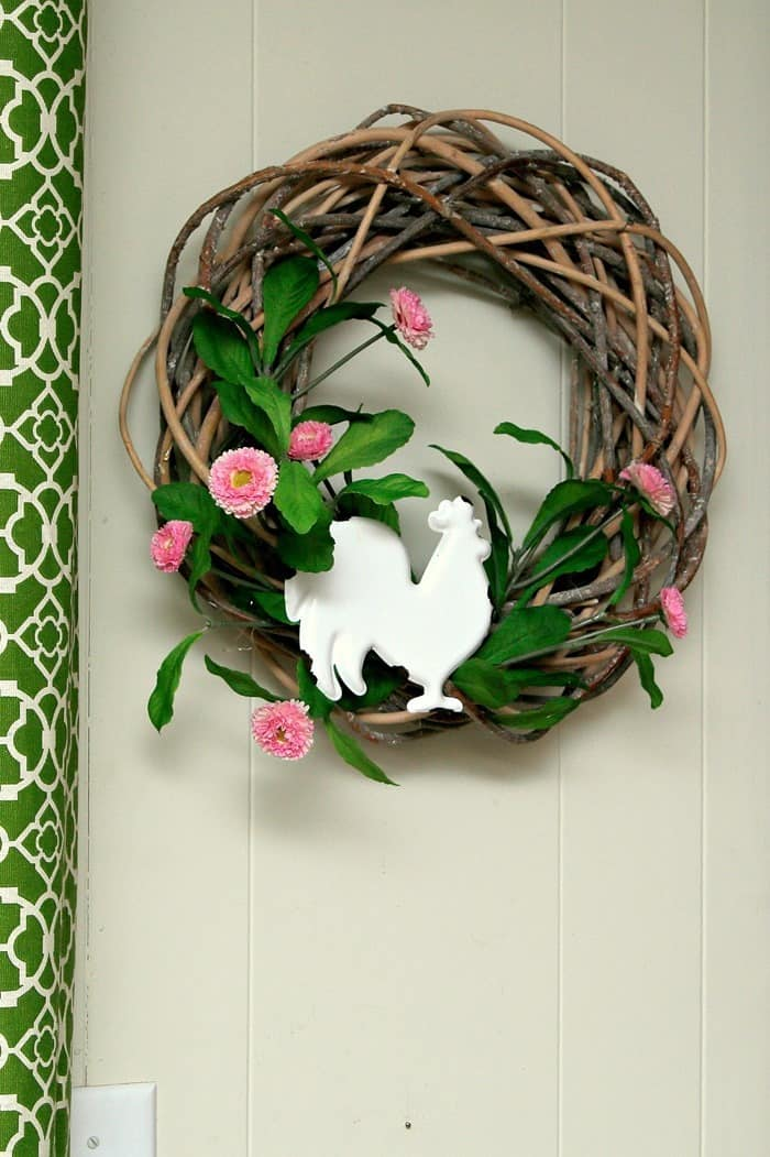Rooster Decorated Wreath Will Have You Crowing 1