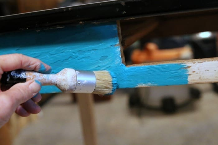 painting furniture with Home Decor Chalk