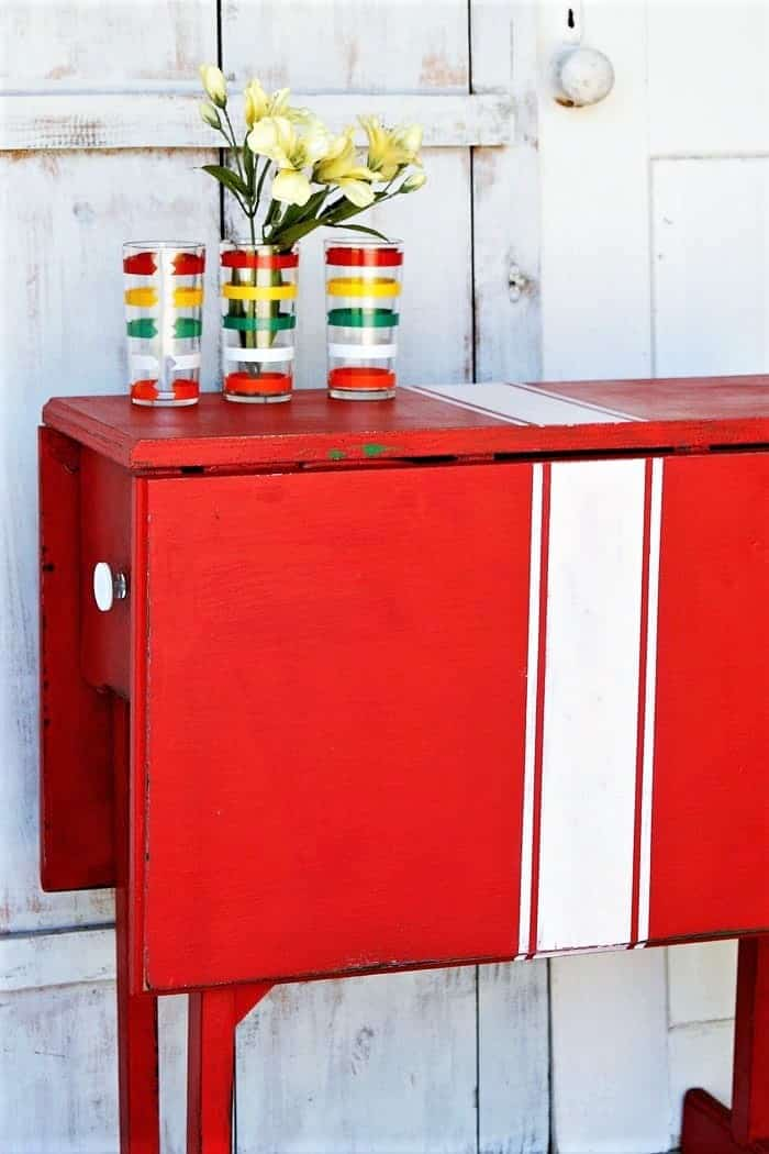 how to white paint stripes on a table