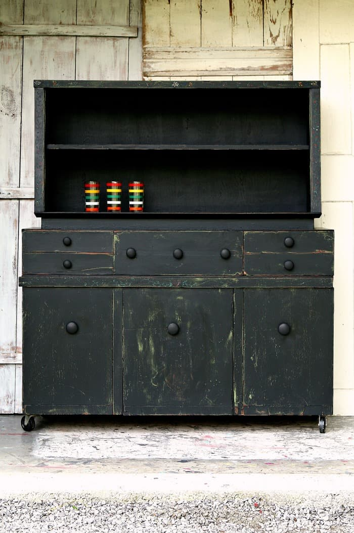Farmhouse Style Hutch Gets Painted Black