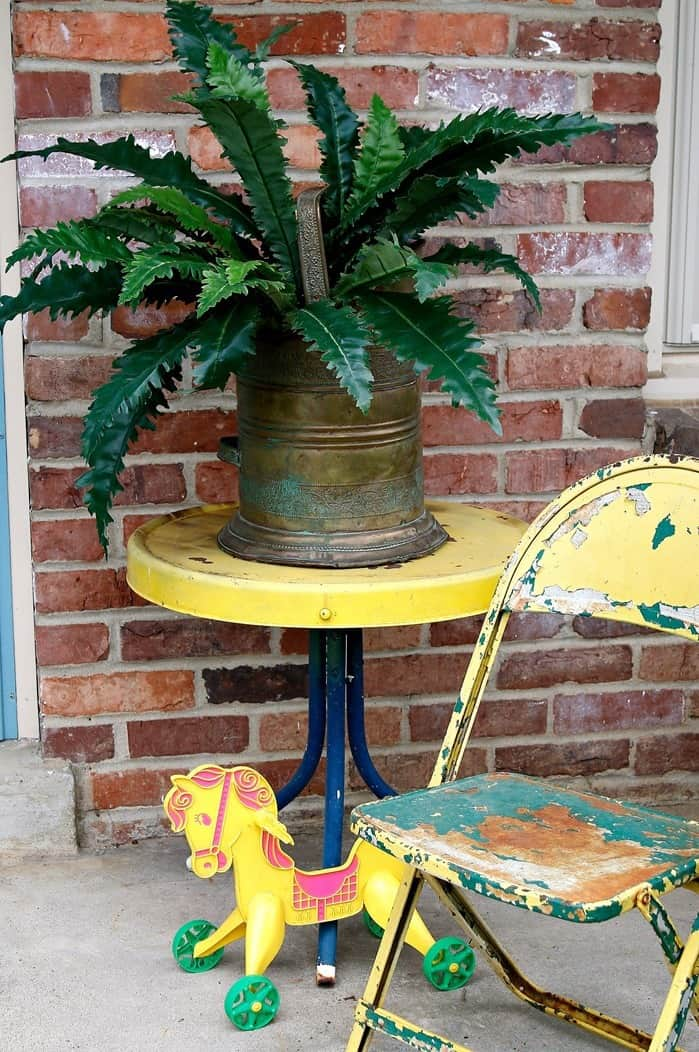 Yellow Front Porch Decor And A Sparkly Rabbit Ears Wreath