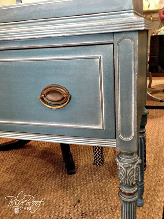 cedar chest paint idea from Hometalk