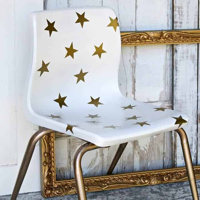 how to spray paint a chair and add star designs