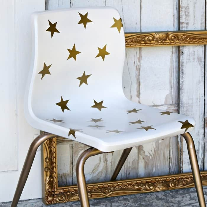 how to spray paint a chair white and add gold stars