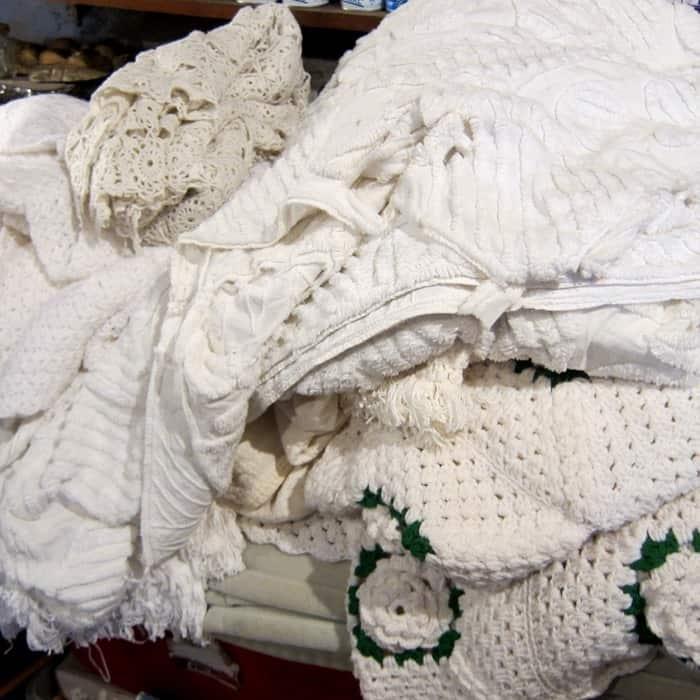 vintage white bedspreads