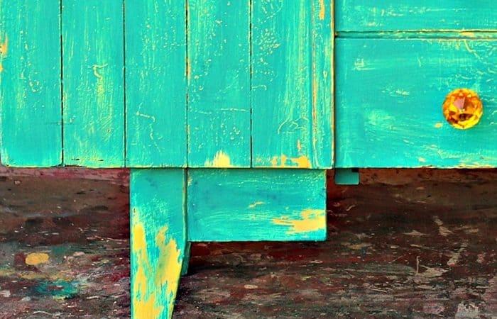 Vaseline Distressed Paint