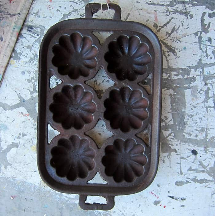 cast iron cornbread pan at my favorite junk shop