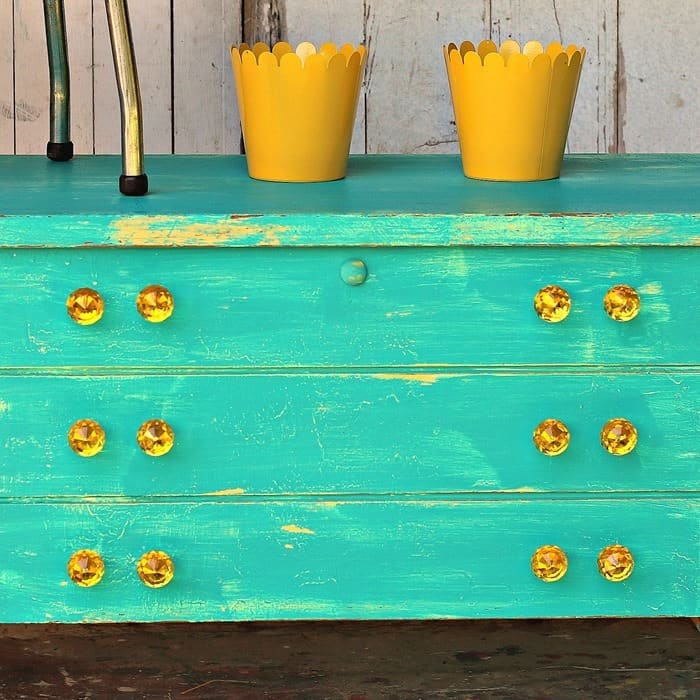 how to layer turquoise and yellow paint on furniture