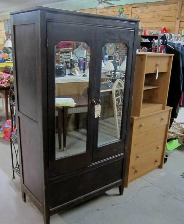 wardrobe with mirrored doors