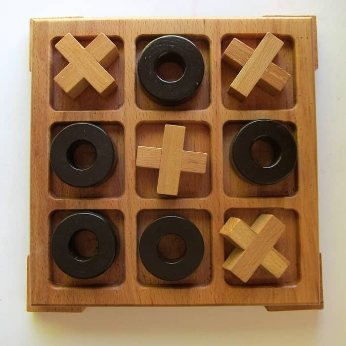 wood tic tac toe set for paint project