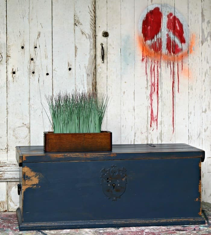 Inexpensive wood trunk painted with Hale Navy from Benjamin More
