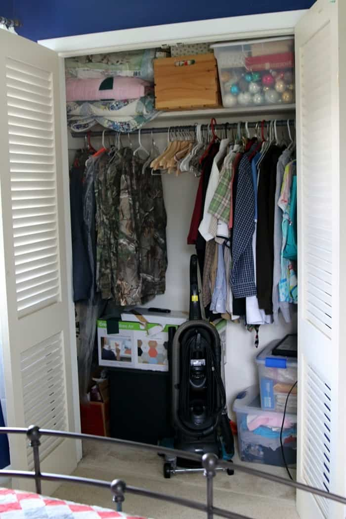 empty closet before painting