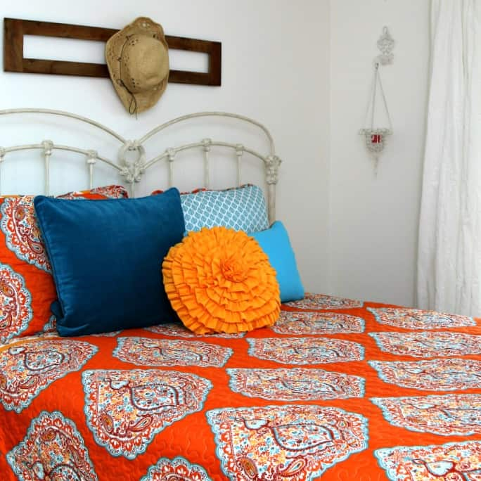 guest bedroom makeover with white walls and white ceiling