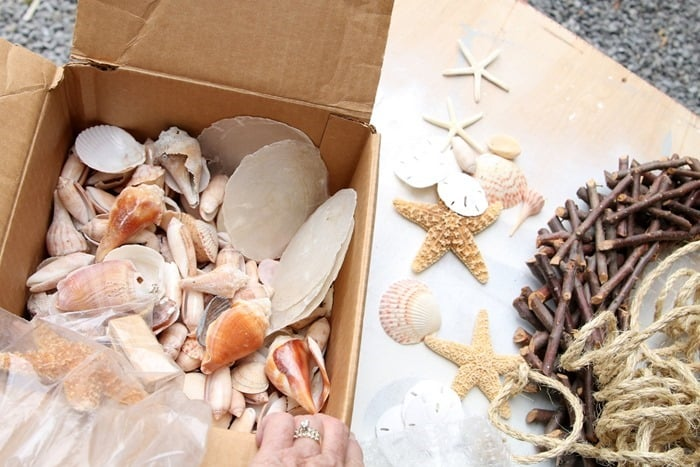 seashells and starfish diy beach inspired wreath idea
