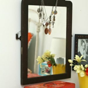 Easy mirror decorating tip