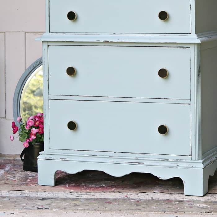 how to distress painted furniture using Simple Green