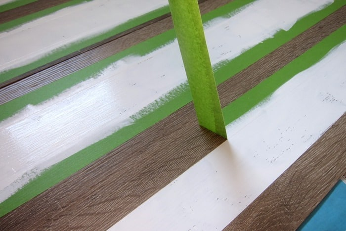 how to remove painters tape when paint project is finished