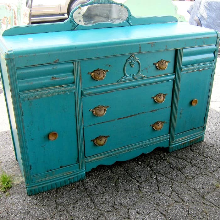 turquoise furniture spotted at the Nashville Flea Market