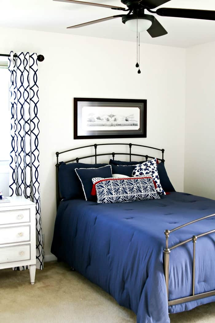 white and navy bedroom makeover reveal paint challenge