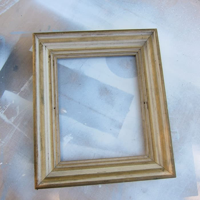 thrifty frame for spray paint and sisal rope diy project